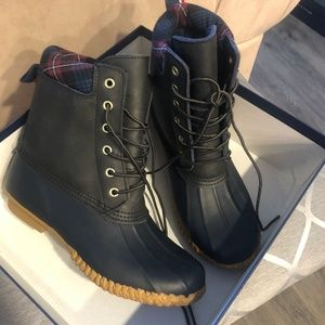 Tommy Hilfiger Women's Muddy Cold-Weather Boots 8